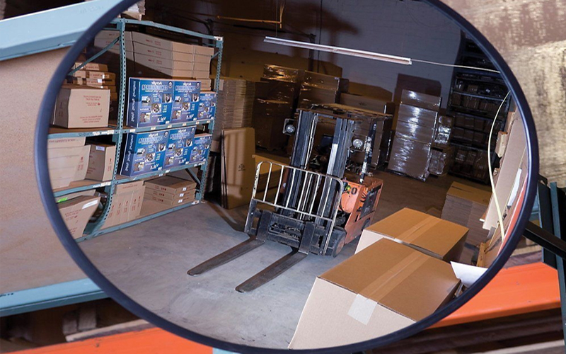 Convex mirror is used in the field of supermarket anti-theft