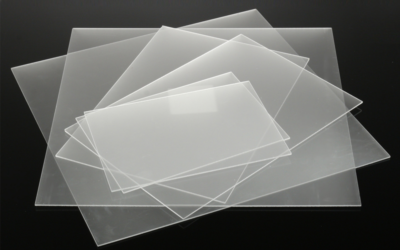 What are the reasons why pmma sheets are widely used in the lighting industry?
